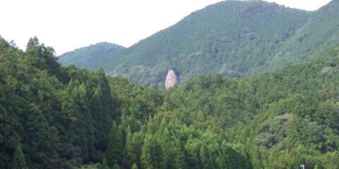 おすすめスポット/熊野地域に残る熊野カルデラの痕跡/色川のボウズ岩(那智勝浦町)