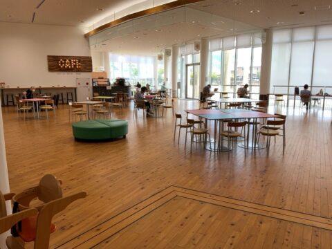 おすすめスポット/コーヒーを飲みながら読書OK!魅力的な図書館を初体験/有田川町地域交流センター (ALEC)
